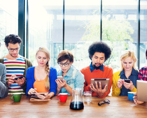 A group of college brochure models searches for dinner plans